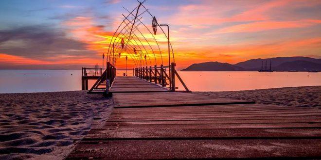 Bình minh biển Nha Trang