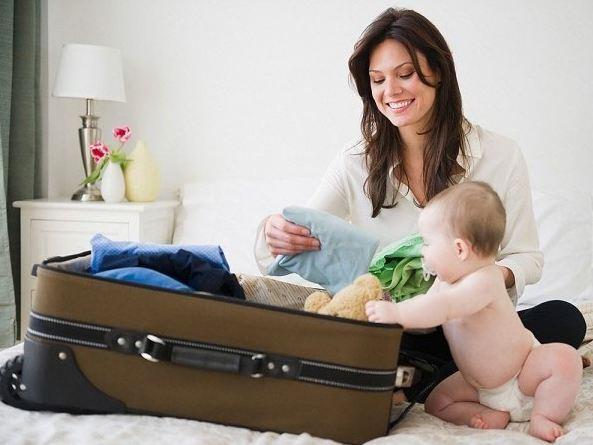 Chuẩn bị hành lý đi du lịch cùng bé yêu